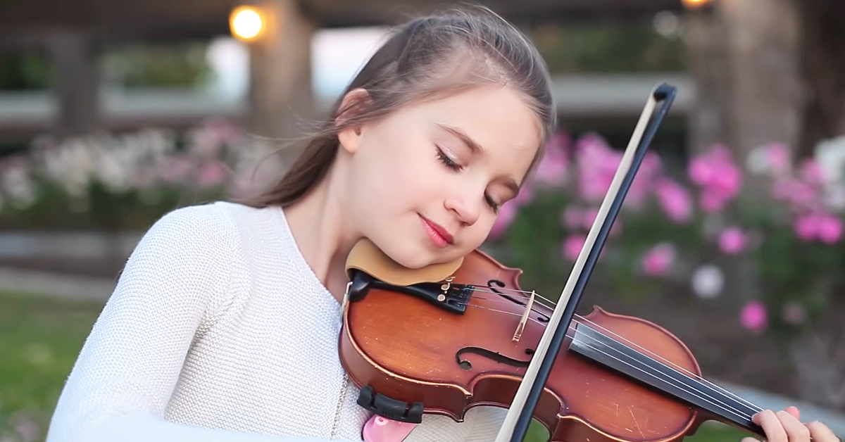 At Just 10 Years Old Karolina Protsenko Is Already A 4 Year Veteran When It Comes To Playing The Violin By Choice 10 Year Old 10 Years Best Violinist