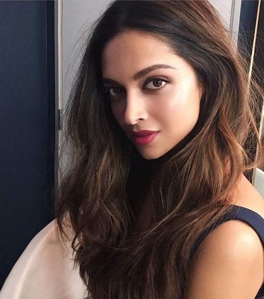 Deepika Padukone Latest Photo In Hd Images In Saree Deepika Padkone In Desiner D Indian Skin Hair Color Hair Color For Brown Skin Hair Color For Black Hair