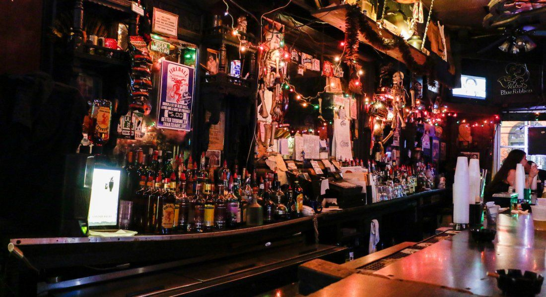 New Orleans 10 Most Dive Y Dive Bars New Orleans Local S Guide Dive Bar New Orleans Orleans