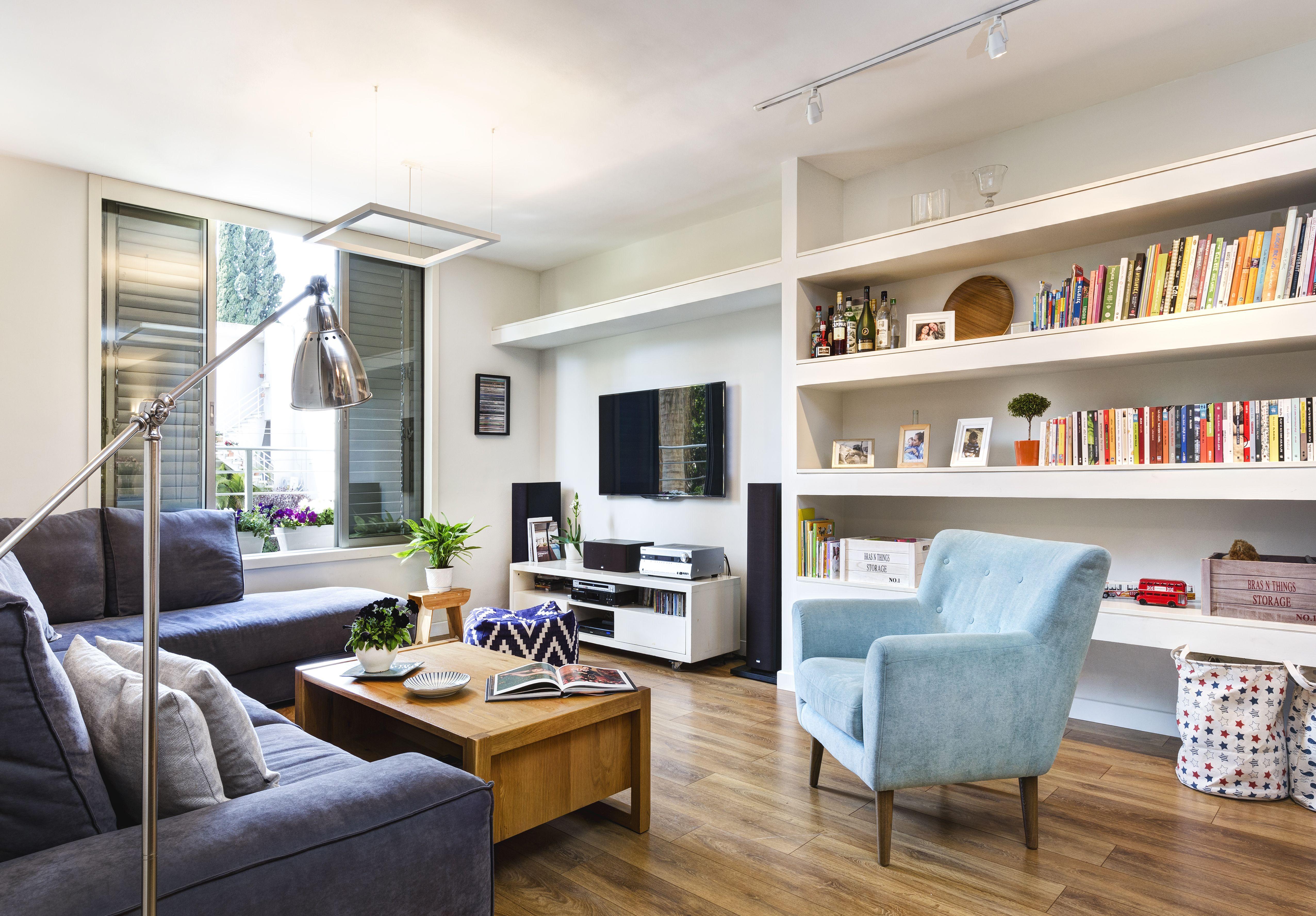 Modern Living Room Design In Tlv Blue Designed By Avital Taran  # Muebles Laalcoba