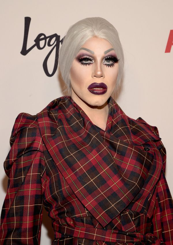 Sharon Needles, RuPaul's Drag Race Reunion/Finale - Arrivals. (what's up with the wonky eyelash Sharon?)