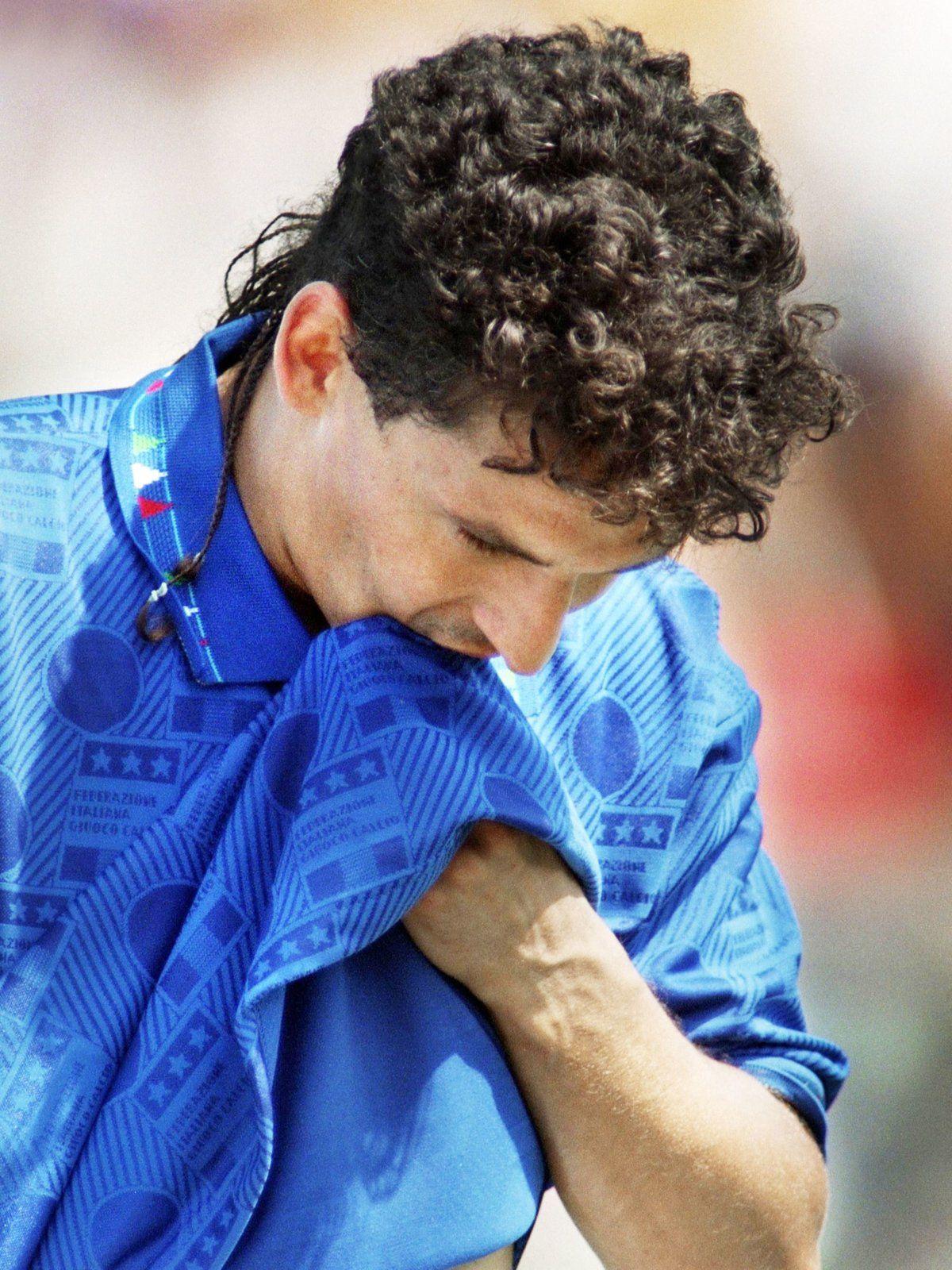 Roberto Baggio Und Das Rattenschwanzchen Roberto Baggio Fussball Weltmeister Fussball Italien