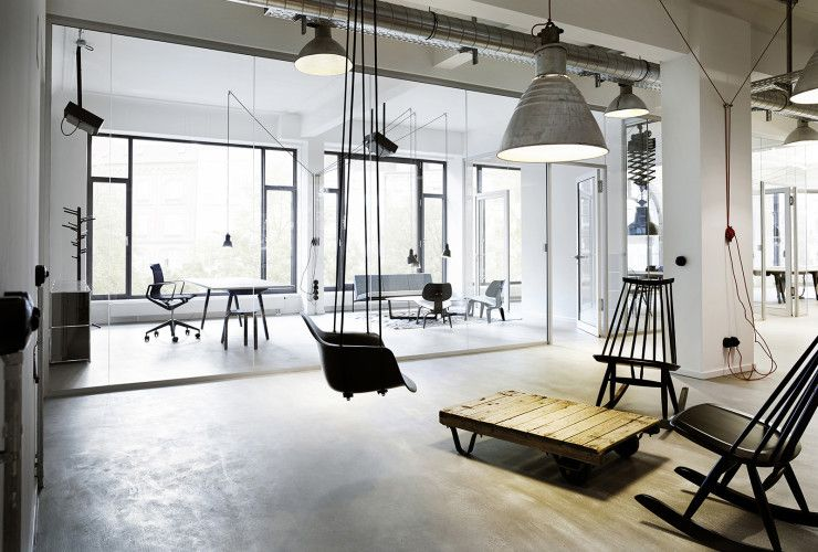 A tour of geometry global s elegant hamburg office for Hamburg interior design
