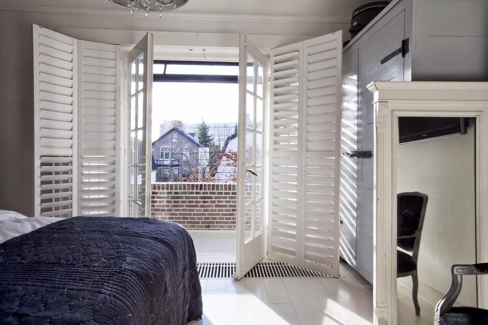 Binnenkijken in statig pand uit 1910 in Apeldoorn - de slaapkamer ...