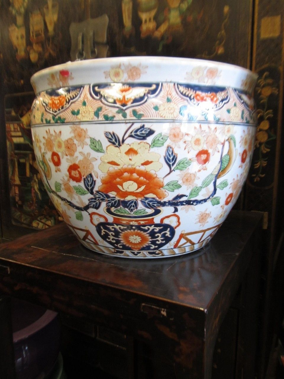 Hand Painted Chinese Porcelain Fish Bowl With Imari Fl Design