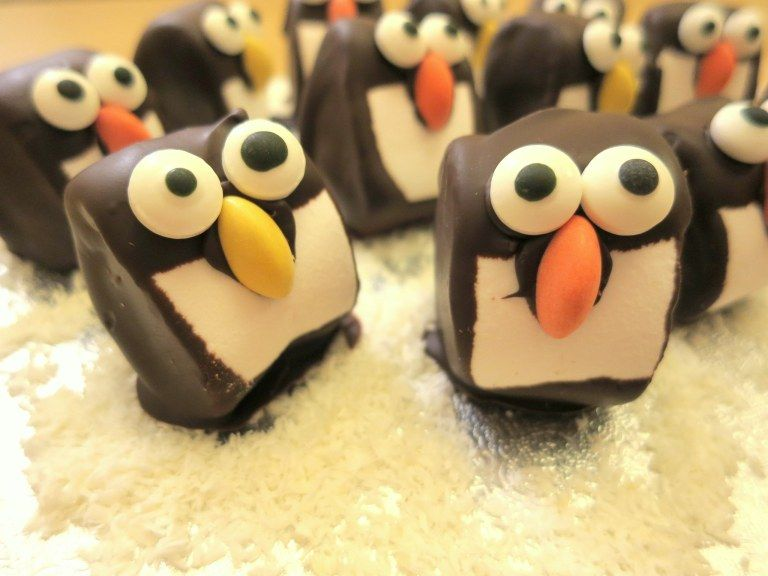 Recipe | Chocolate marshmallow penguins – cute winter treats! – Art and Soul #cutemarshmallows