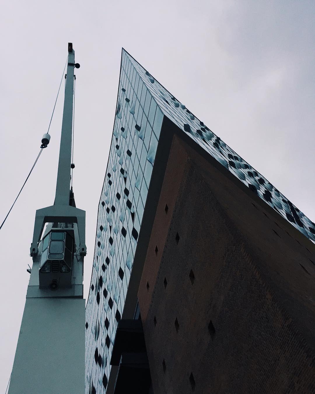 Hallo Da Oben Ich Mag Dich Ja Elbphilharmonie Hamburg Diewocheaufinstagram Igersgermanyofficial Vsco Landmarks Photography Louvre