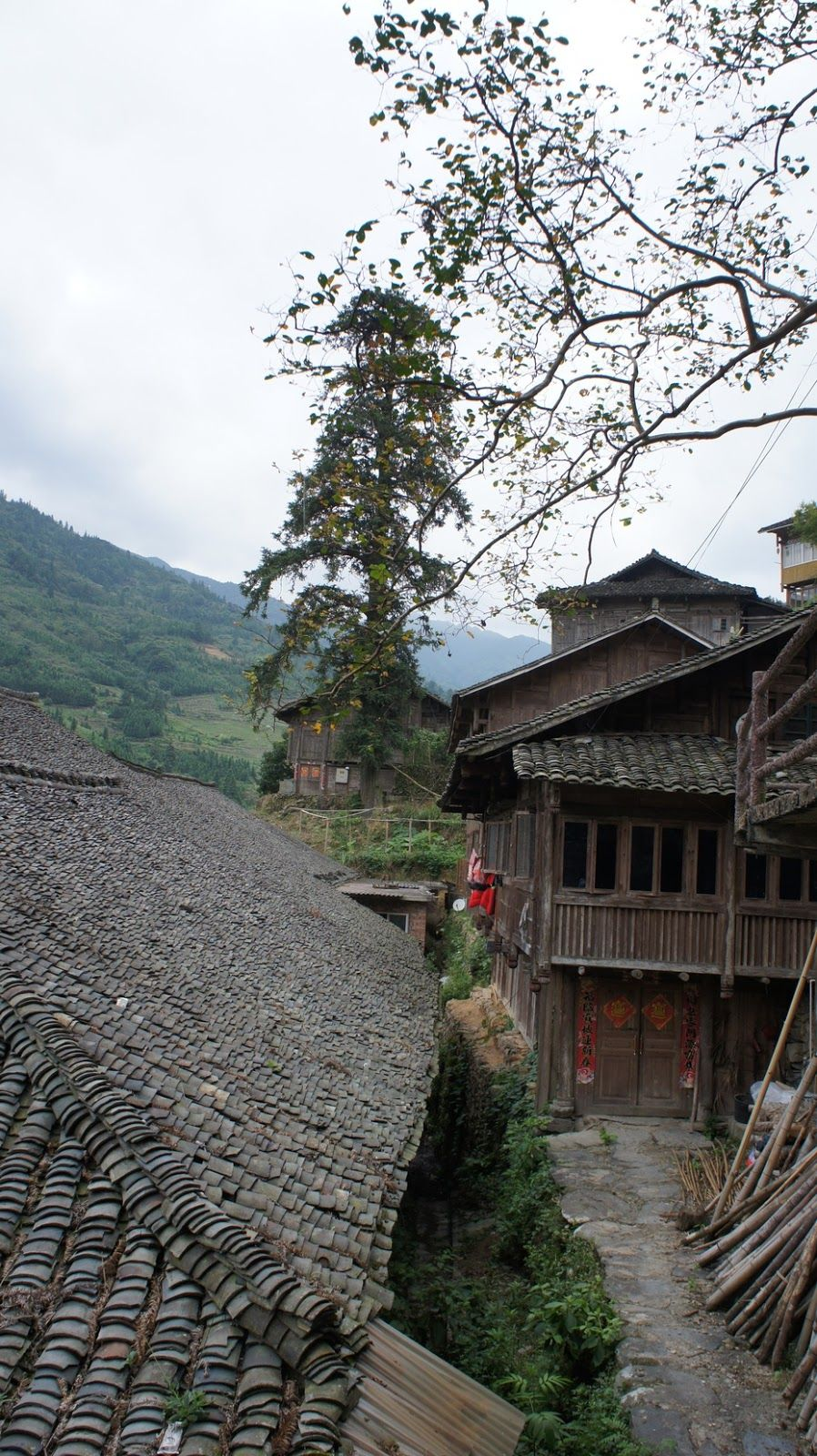 The first Village of Dragon Town, Longsheng County, Guilin tourist attractions in china