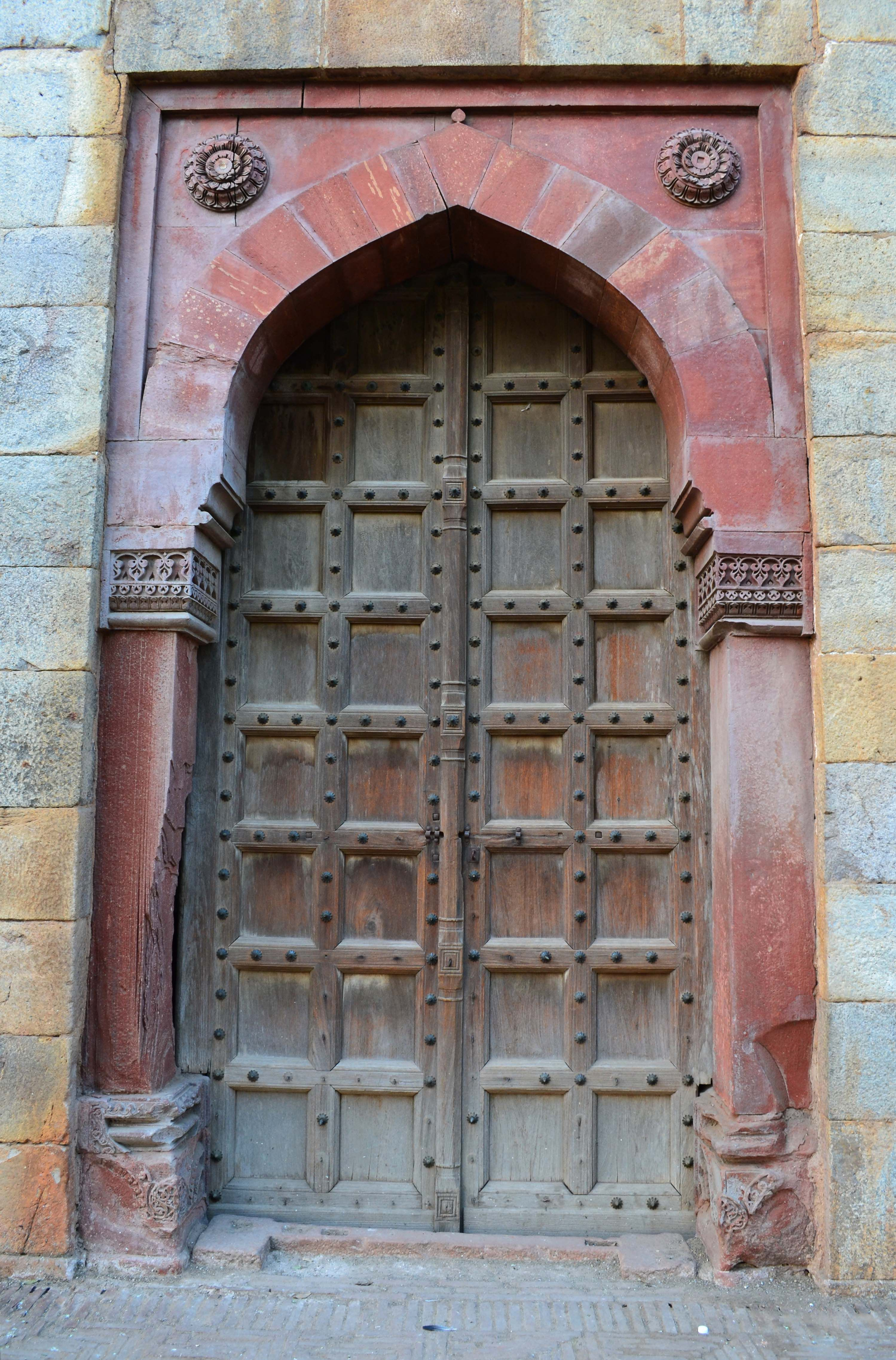 Old Doors Image Detail For Fileone Of The Old Doors Inside Purana Qilajpg
