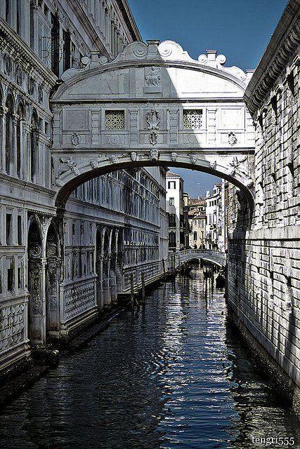 Puente De Los Suspiros Venecia Italia Construido En El Año 1600 Places To Visit Italy Favorite Places