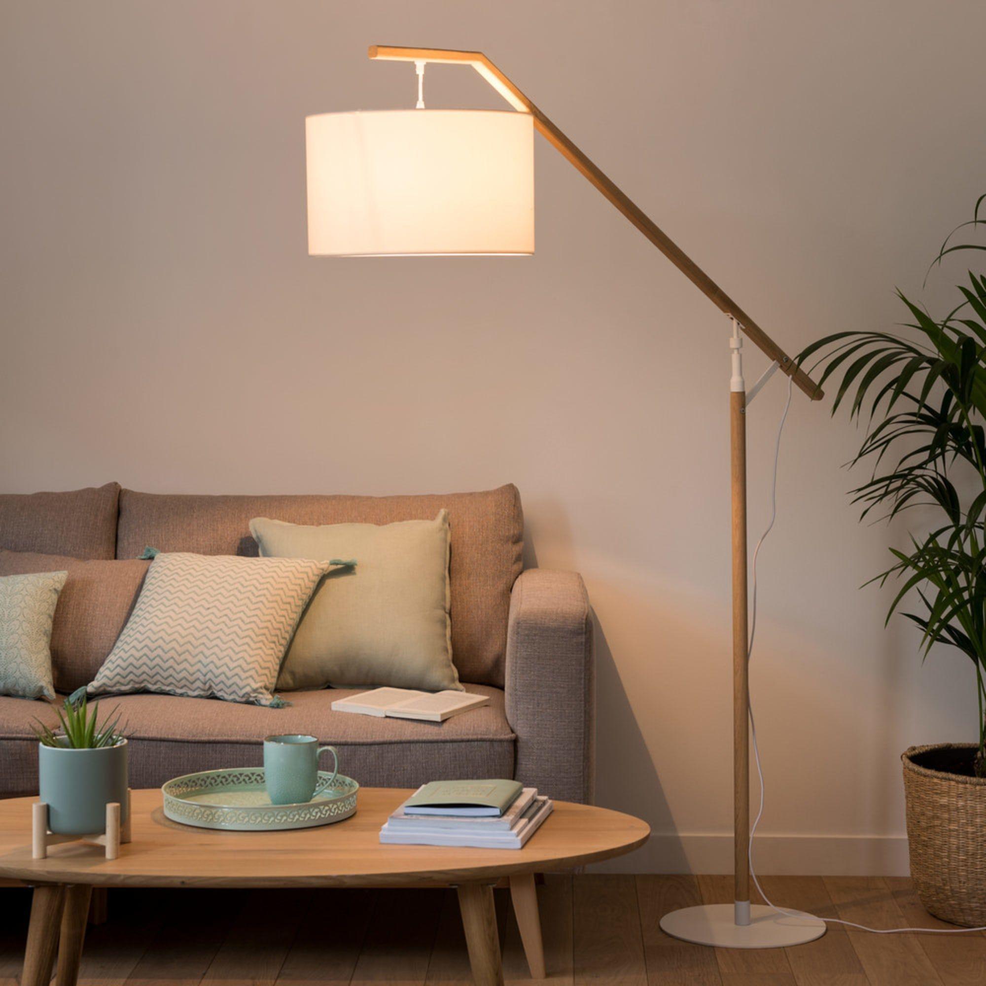 Stehlampe Aus Eichenholz Mit Weissem Lampenschirm H182 Stehlampe