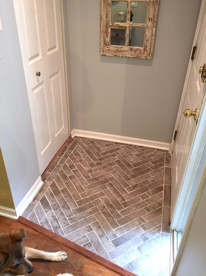 Msi Rustico Brick 2 1 3 In X 10 In Glazed Porcelain Floor And Wall Tile 5 17 Sq Ft Case Nhdrusbri2x10 Porcelain Flooring House Flooring Entryway Tile
