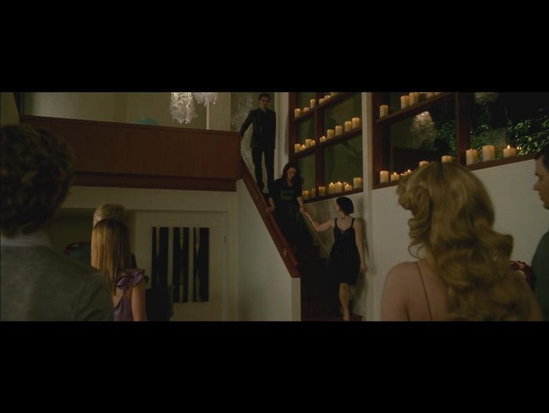 Twilight new moon cullen house look at all the candles