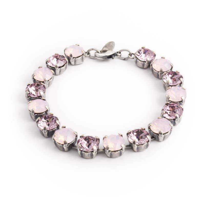Koop deze fonkelende roze kristal armband met Swarovksi Elements kristallen bij Aurora Patina, de leukste sieraden webshop van Nederland!