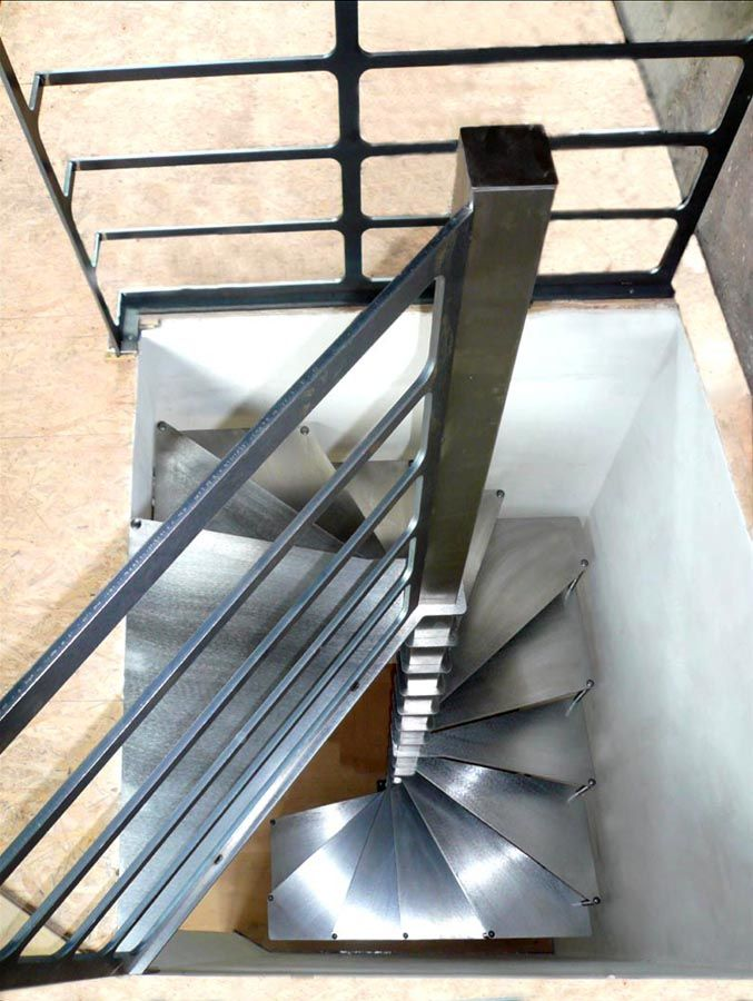 petit escalier pour grenier chambre ou mezzanine shop pinterest petit escalier escaliers. Black Bedroom Furniture Sets. Home Design Ideas