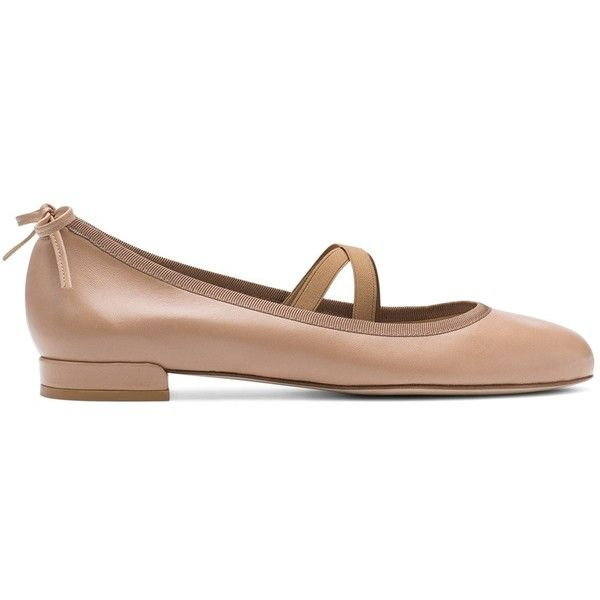 Stuart Weitzman THE BOLSHOI FLAT ($375) ❤ liked on Polyvore featuring shoes, flats, ballet flat shoes, flat pumps, ballerina shoes, flat shoes and stuart weitzman shoes