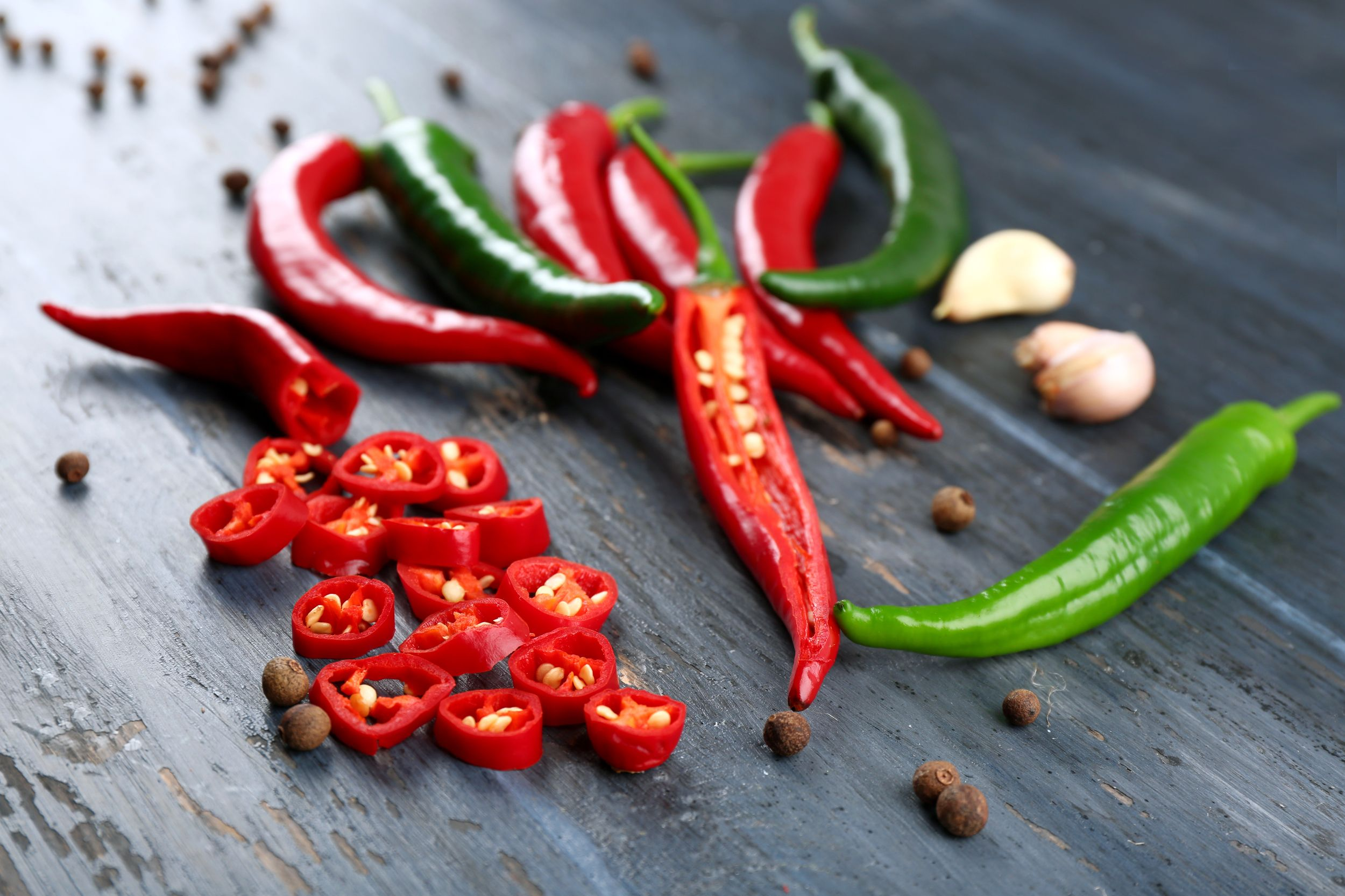 Spicy foods -- experts say spicy food can increase your heart rate, resulting in a metabolism boost. via @AOL_Lifestyle Read more:…