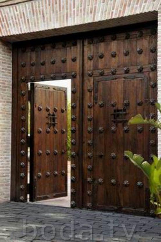 Pin de mario alberto ramirez olvera en puertas rusticas for Puertas de madera con herreria