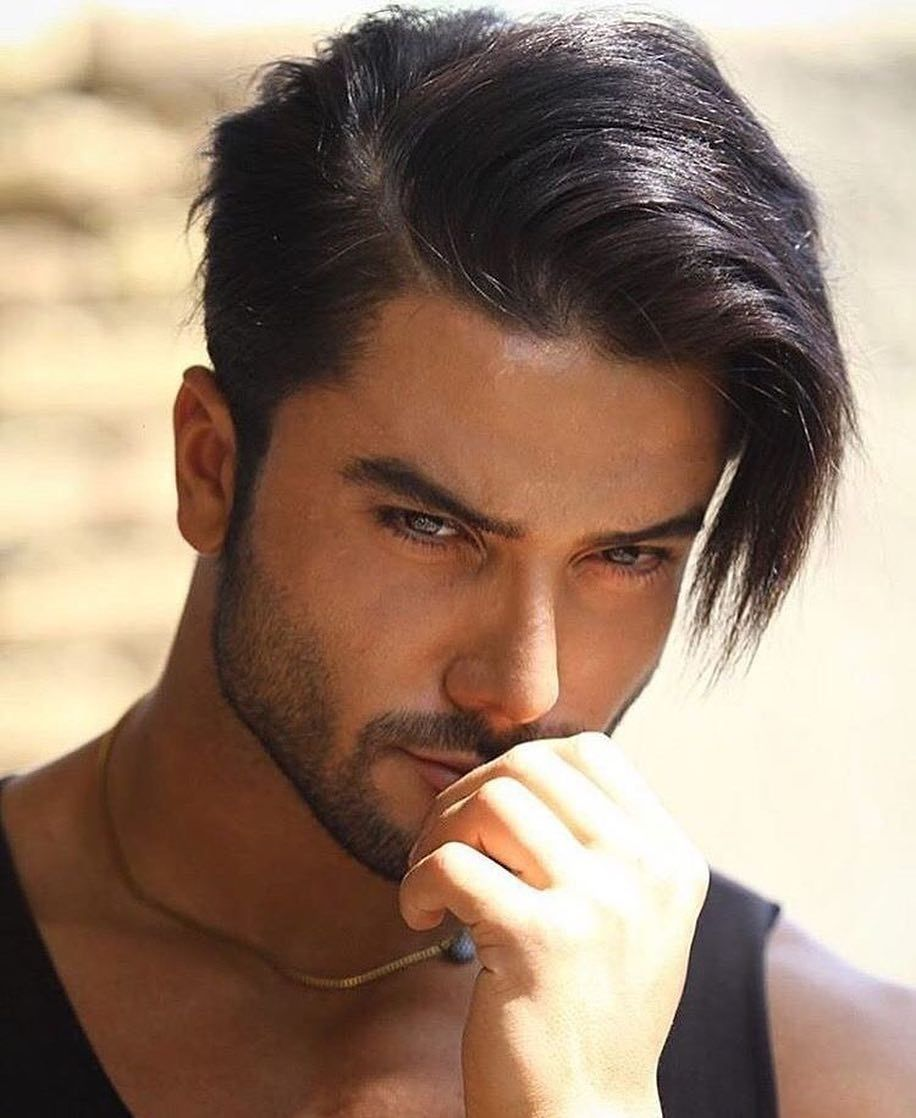 A Hairstyle For Men With A Comb Of Long Hair Combed Back And Fixed With Hair Hairstyles Man Mens Hairstyles Haircuts For Men Hair Styles