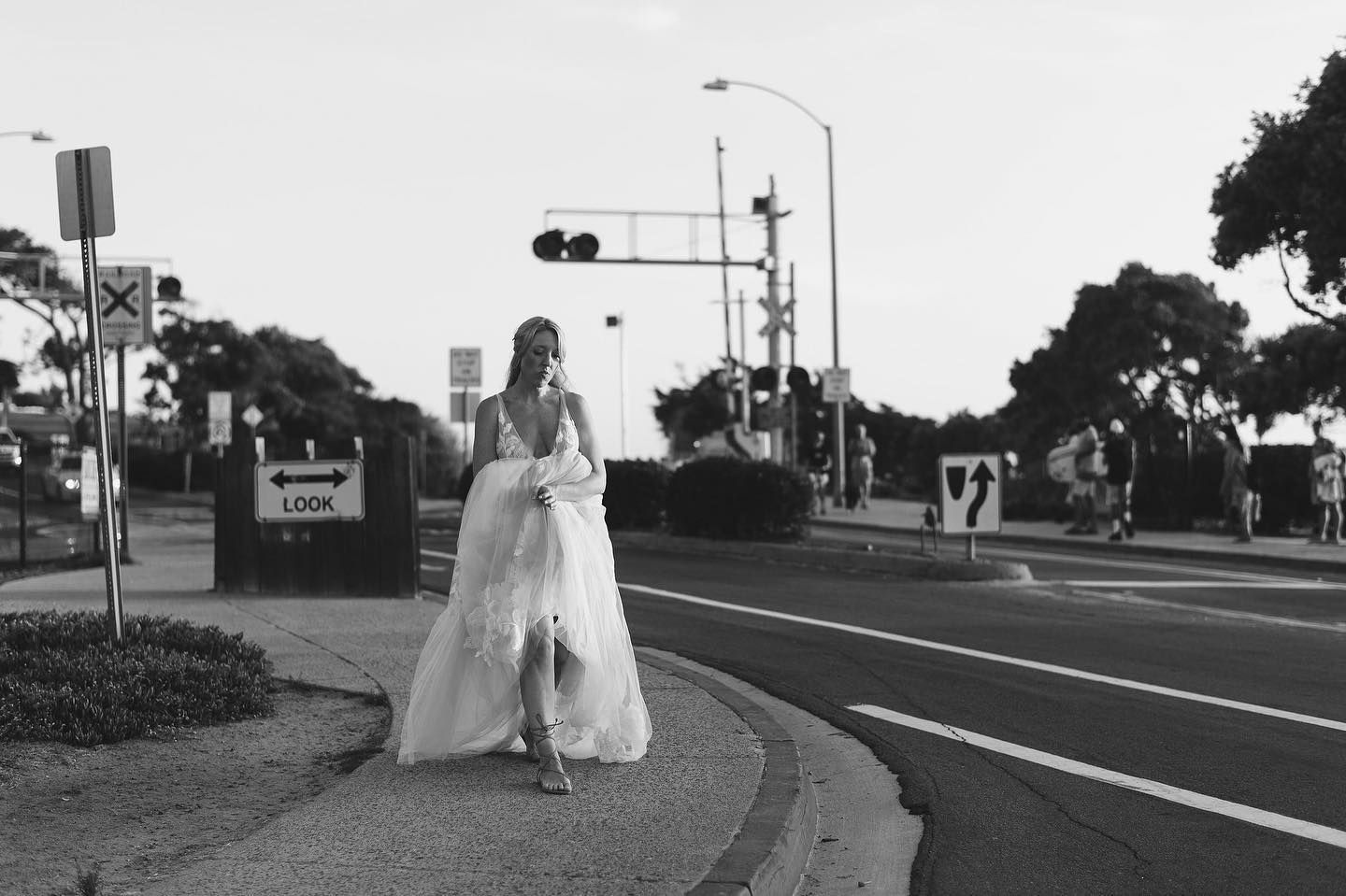 I Am Usually Not A Big Fan Of Black And White But I Can T Get Over This Pic Of Natalie In A Solo Mo In 2020 Socal Wedding Wedding Southern California