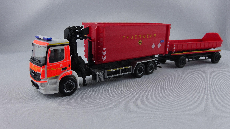 Herpa MB Antos WLF + Anhänger Feuerwehr Hamburg mit AB… | Modellbau ...