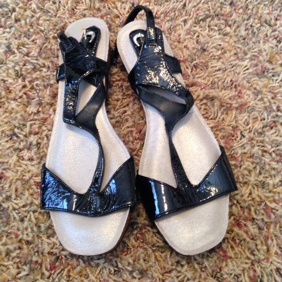 ☘Sandals Never worn! Black shiny shoes Shoes Sandals