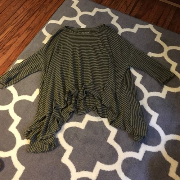 Free People '3/4 Circle in the Sand' Tee Free People Swing Long Sleeve Tee. We The Free '3/4 Circle in the Sand'. Size XS/S. Color Green with Black Stripes. Free People Tops Tees - Long Sleeve