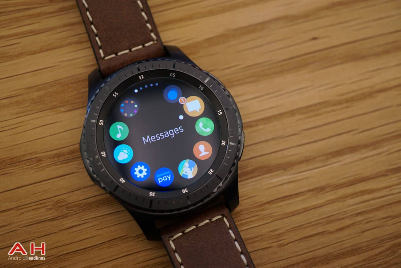 Other Android Phones To Use Samsung Pay Via Gear S3 Android Watch Best Smartphone Samsung Pay