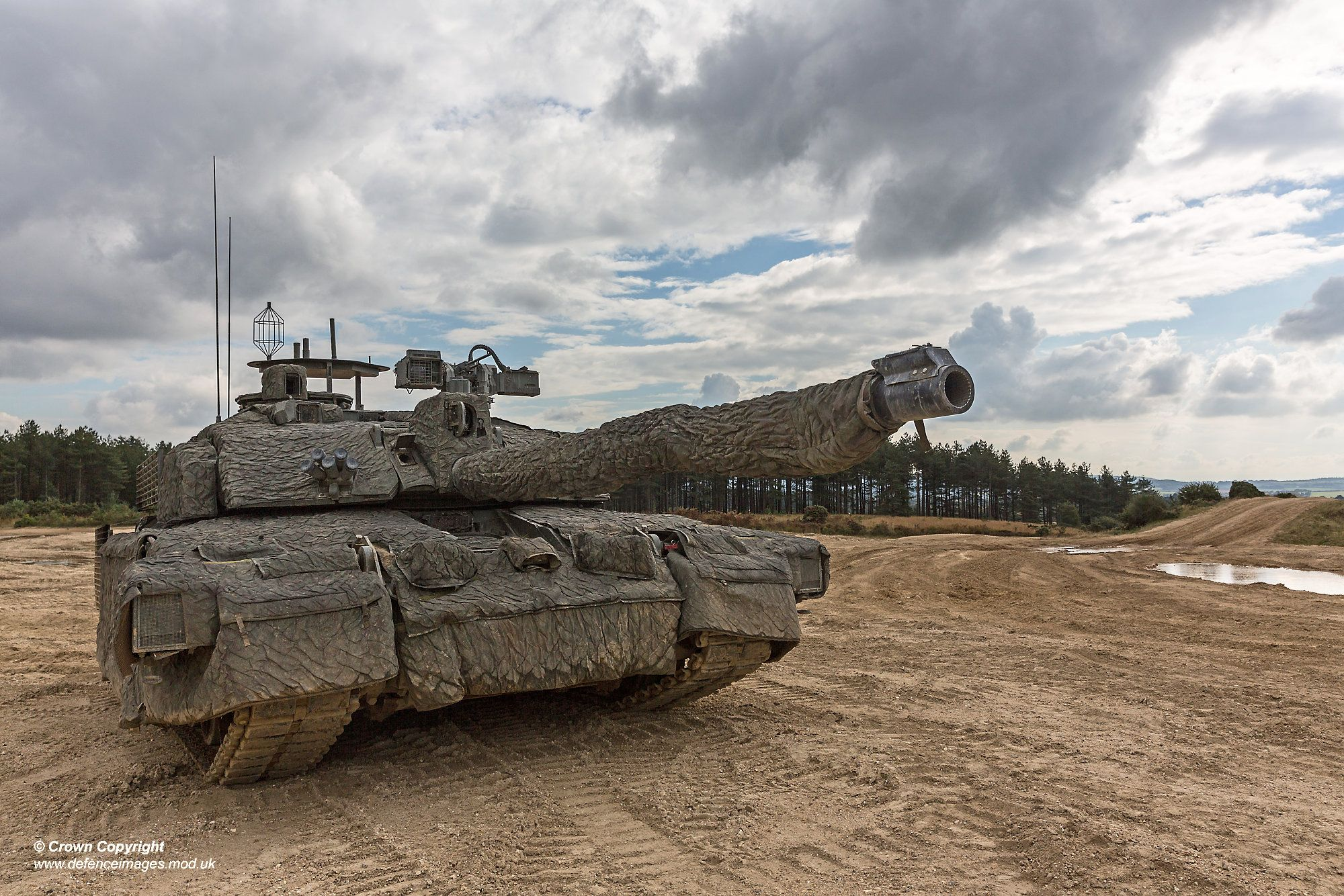 Mcs mobili ~ Challenger 2 megatron fitted with a mobile camouflage system
