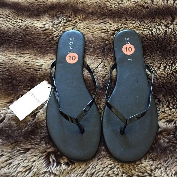 a20752c6a600 •ESPRIT Flip Flops• Black patent leather thong sandals faux leather  upper rubber