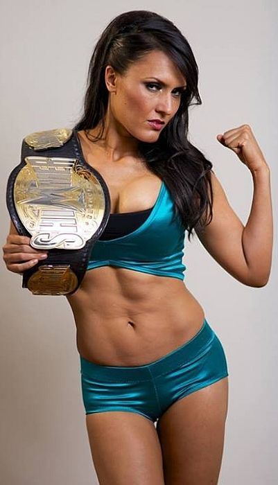 Check out the abs on pro wrestler Cheerleader Melissa aka ...