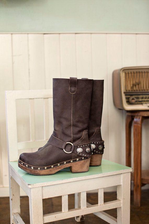 Xuz handgemaakte Klompen laarzen sandalen uit hout en by yosha123, €129.00