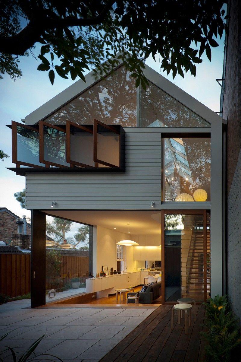 Planos de pequeña casa de dos pisos, interiores luminosos y ...