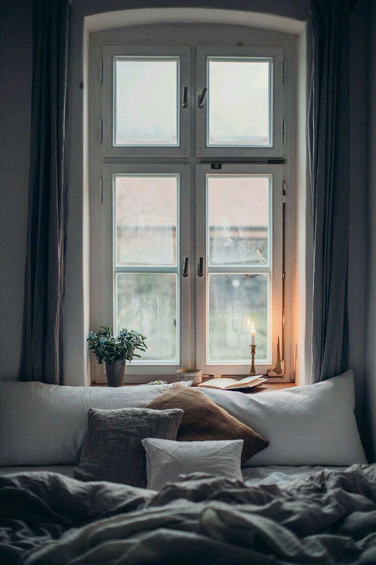 Candlelight for cozy Sunday mornings reading in be... - #altbau #Candlelight #cozy #mornings #reading #Sunday #bedroomgoals