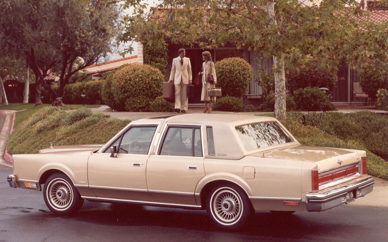 Lincoln Towncar this ead my first car. Paid cash for it myself. 1985