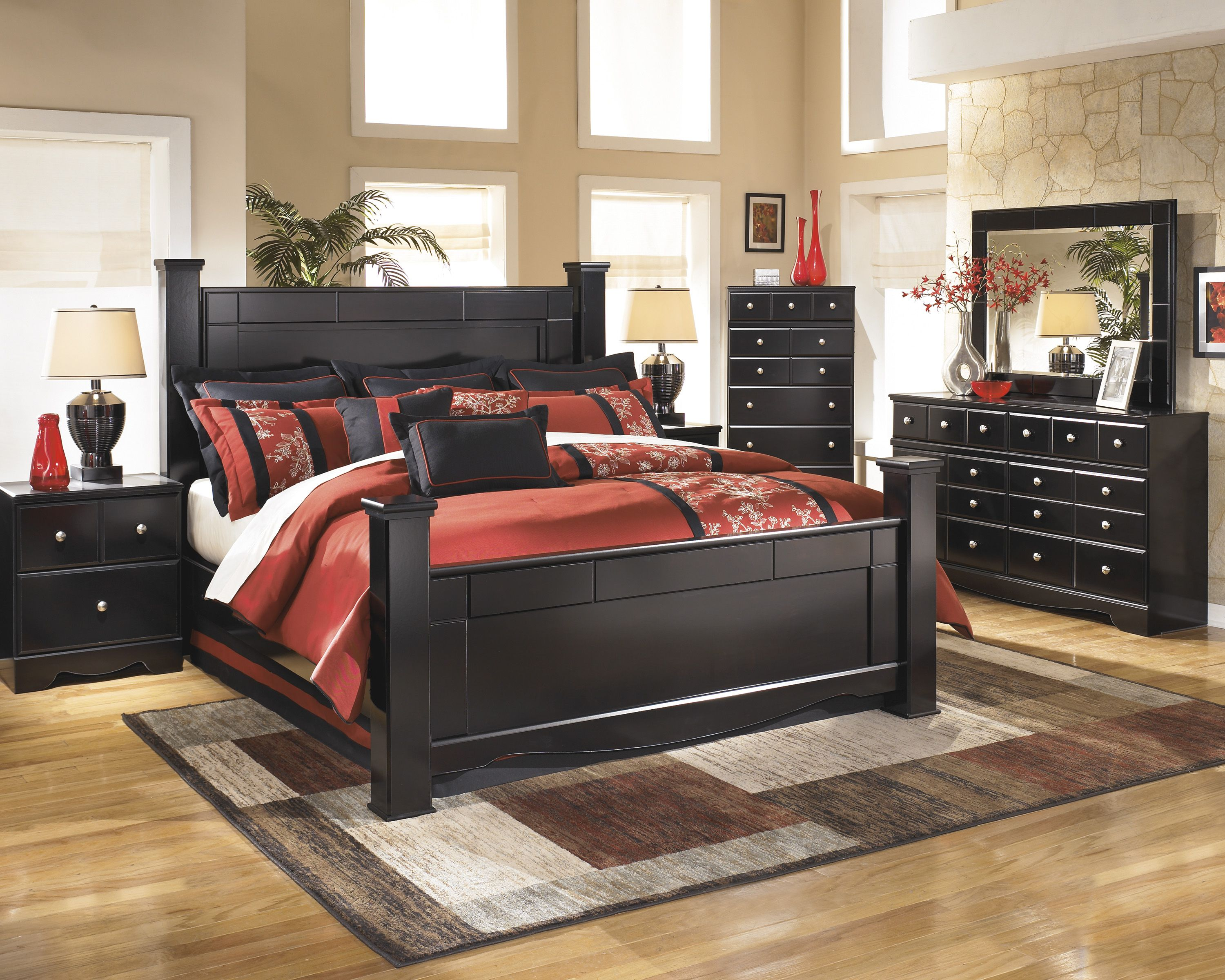 This Black 4 Poster Bed Seems To Catch Everyone S Eye Defiantly A Fan Fav Cheap Bedroom Sets King Bedroom Sets Black Bedroom Furniture Set