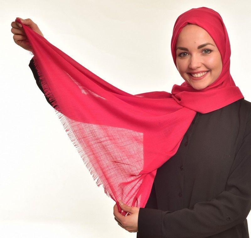 #benimgulsoyum #mygulsoy #flamlisal Renk : Narçiçeği Kumaş bilgisi: %100 Viskon En: 72 cm, Boy: 180 cm 19,90 TL Ödeme Havale / EFT  İletişim WhatsApp +90 5356750361 #hijabfashion #hijab #scarf #headscarf #esarpbaglama #esarp #şal #gulsoystore #flamlışal