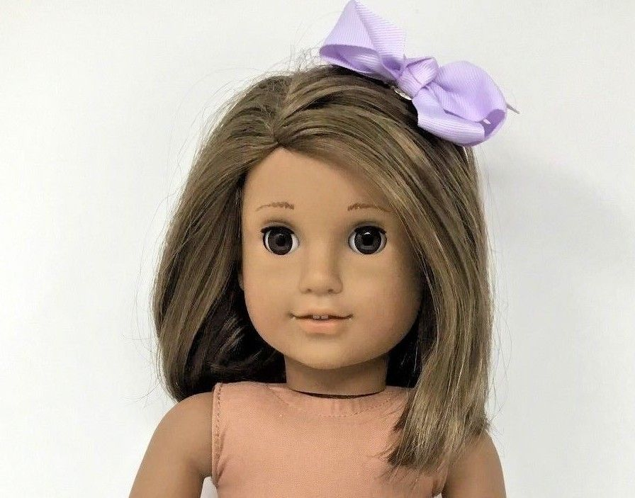 American Girl Doll Layered Brown Hair W Brown Eyes Medium Skin