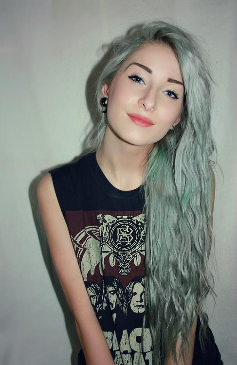 Pin By Peppermint Popsicle On Girls Girls Girls Pastel Green Hair Rocker Chic Hair Green Hair