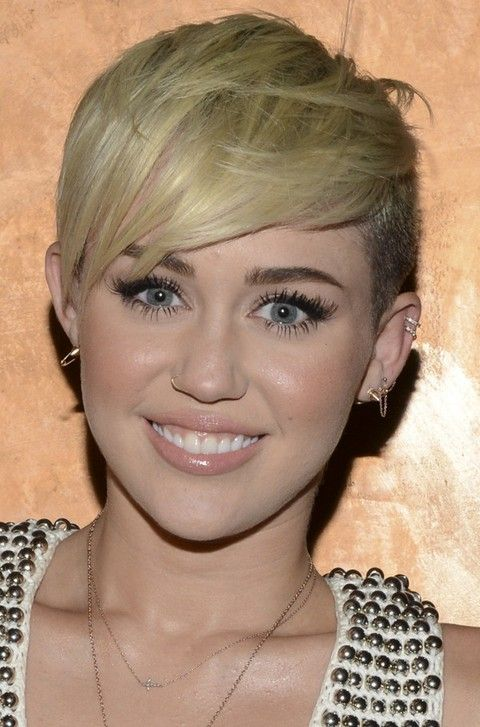 30 Miley Cyrus Hairstyles Pretty Designs Kortare Har Short Haircut Kort Har Kvinnor