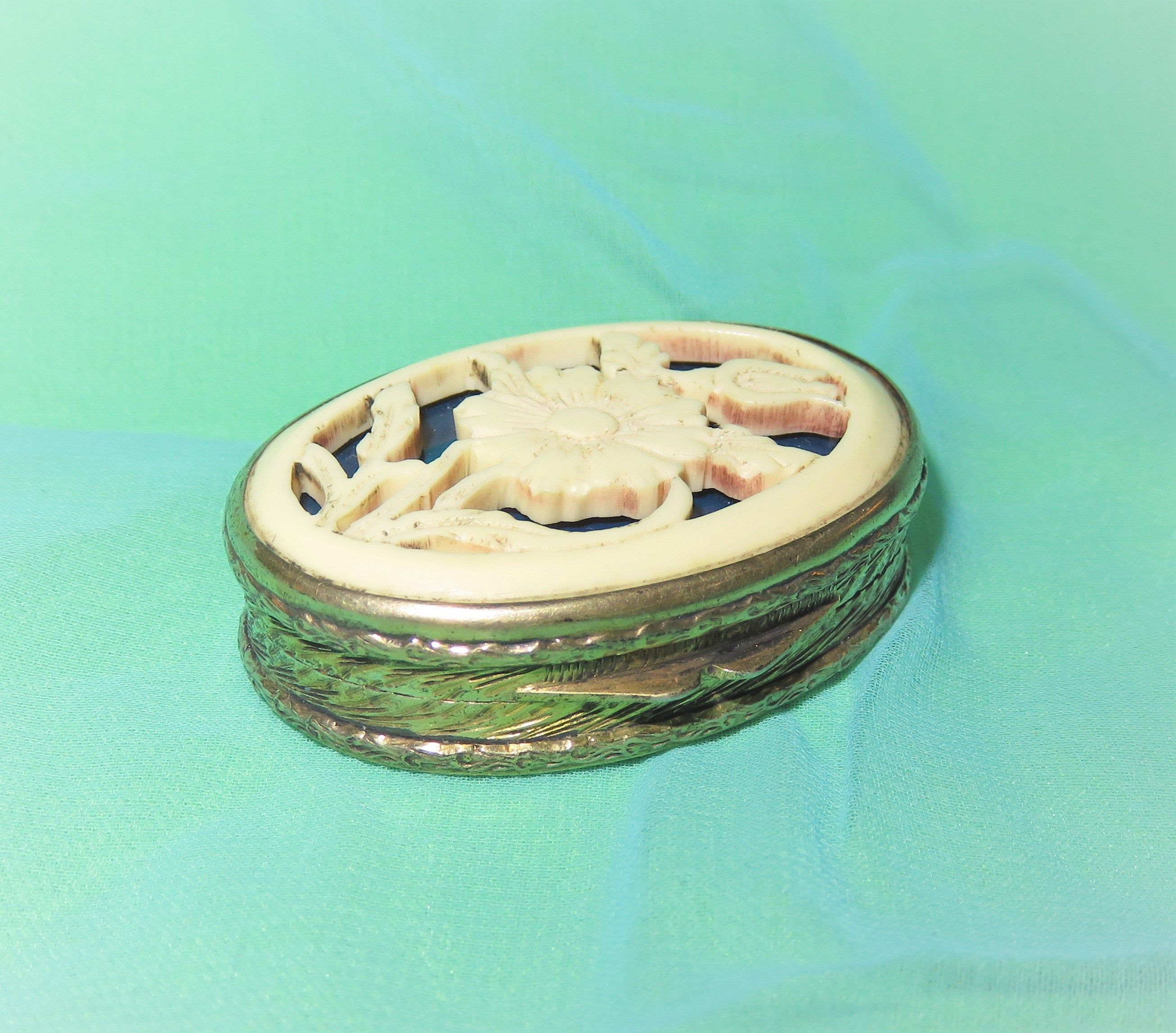 Antique 800 Silver Vermeil Chased Pill Box Snuff Box Etsy 800 Silver Silver Antique Silver
