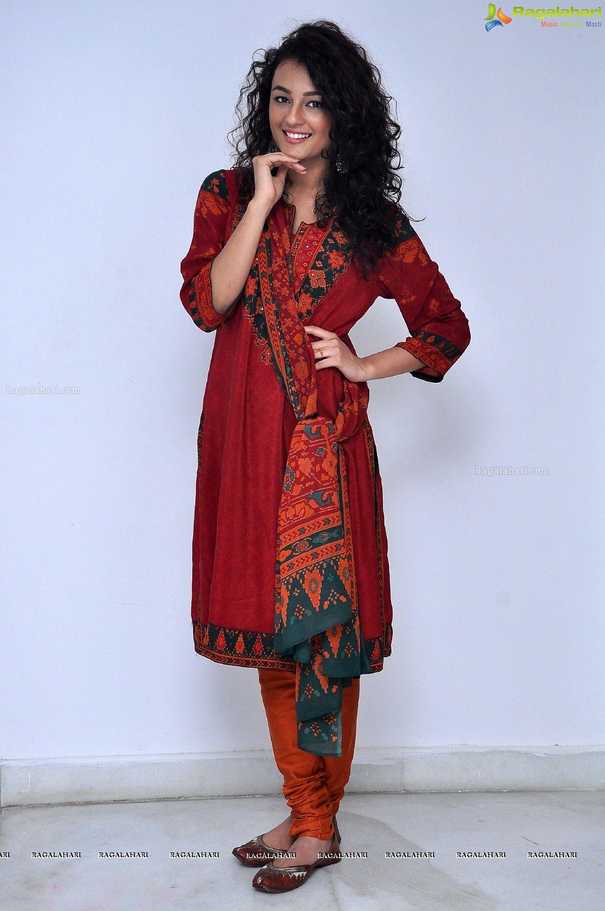 Seerat Kapoor Image 93 Actress Photos Actresses Model