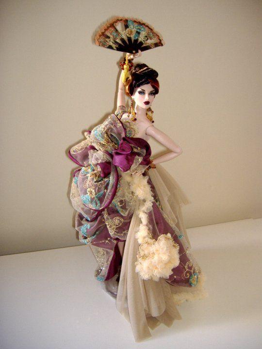 """https://flic.kr/p/8F2tfL   Eclectic.   Abiti e accessori realizzati da me per Avantguards.""""Eclectic"""" è una modern gheisha. Indossa un abito di tutte in seta e tulle con ricami di micro paillettes . Anche gli accessori, come il ventaglio e la wig, ne accentuano il carattere orientale."""