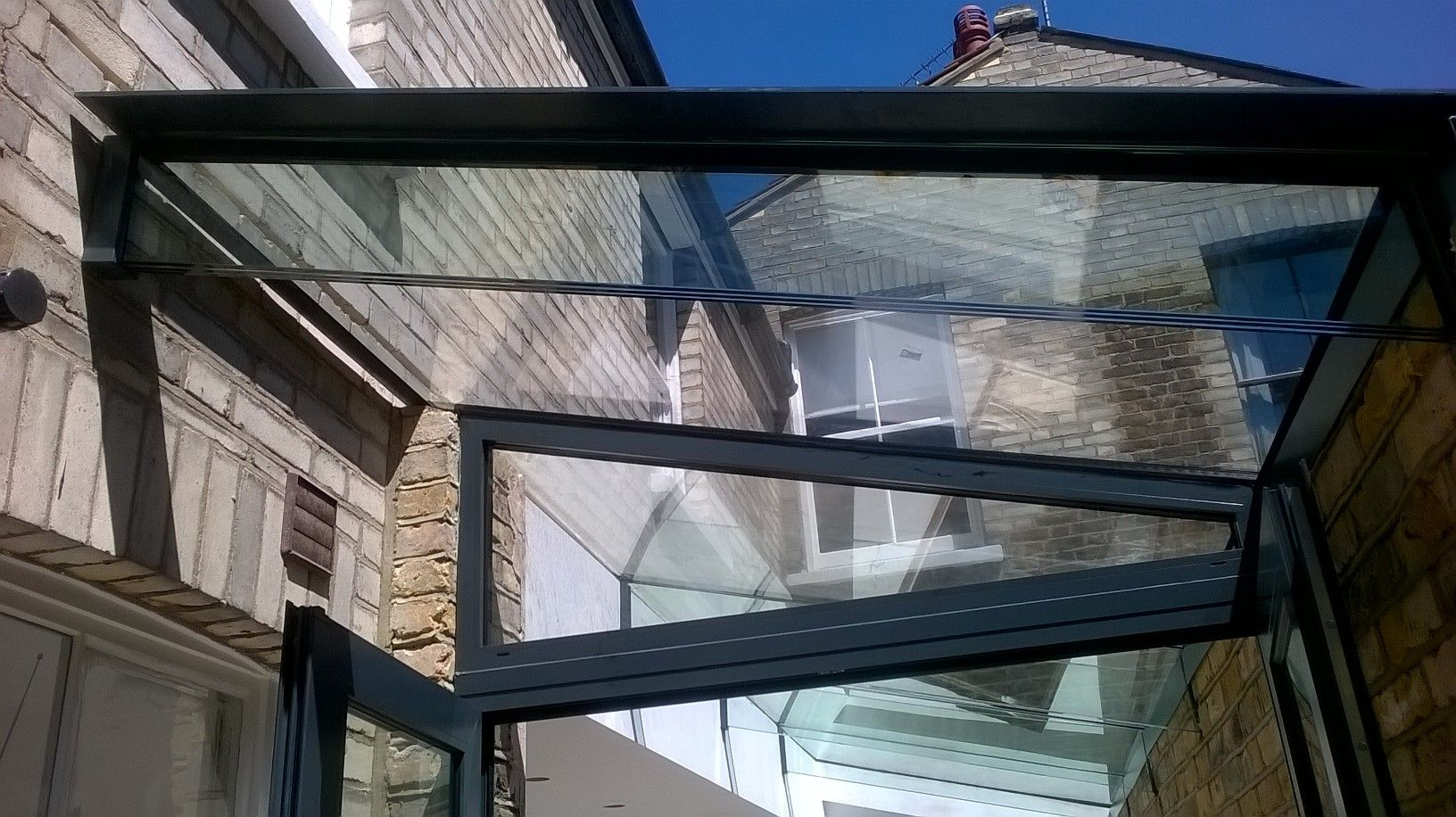 Glass Roof With Beam Support Ideal For Extension Glass Roof Roofing Roof Maintenance