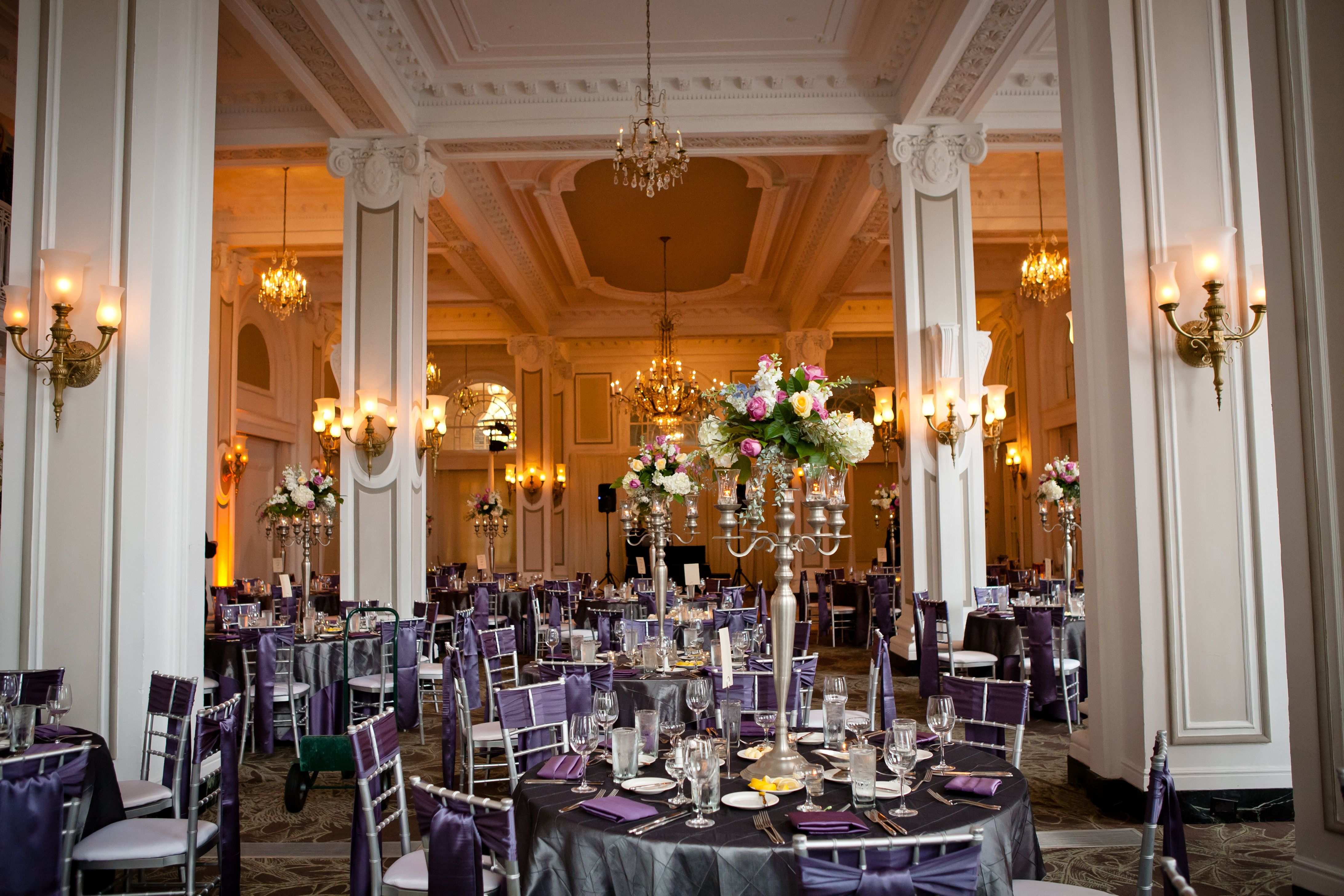 Lush elegant and romantic decor looks perfect in the for Hotel wedding decor