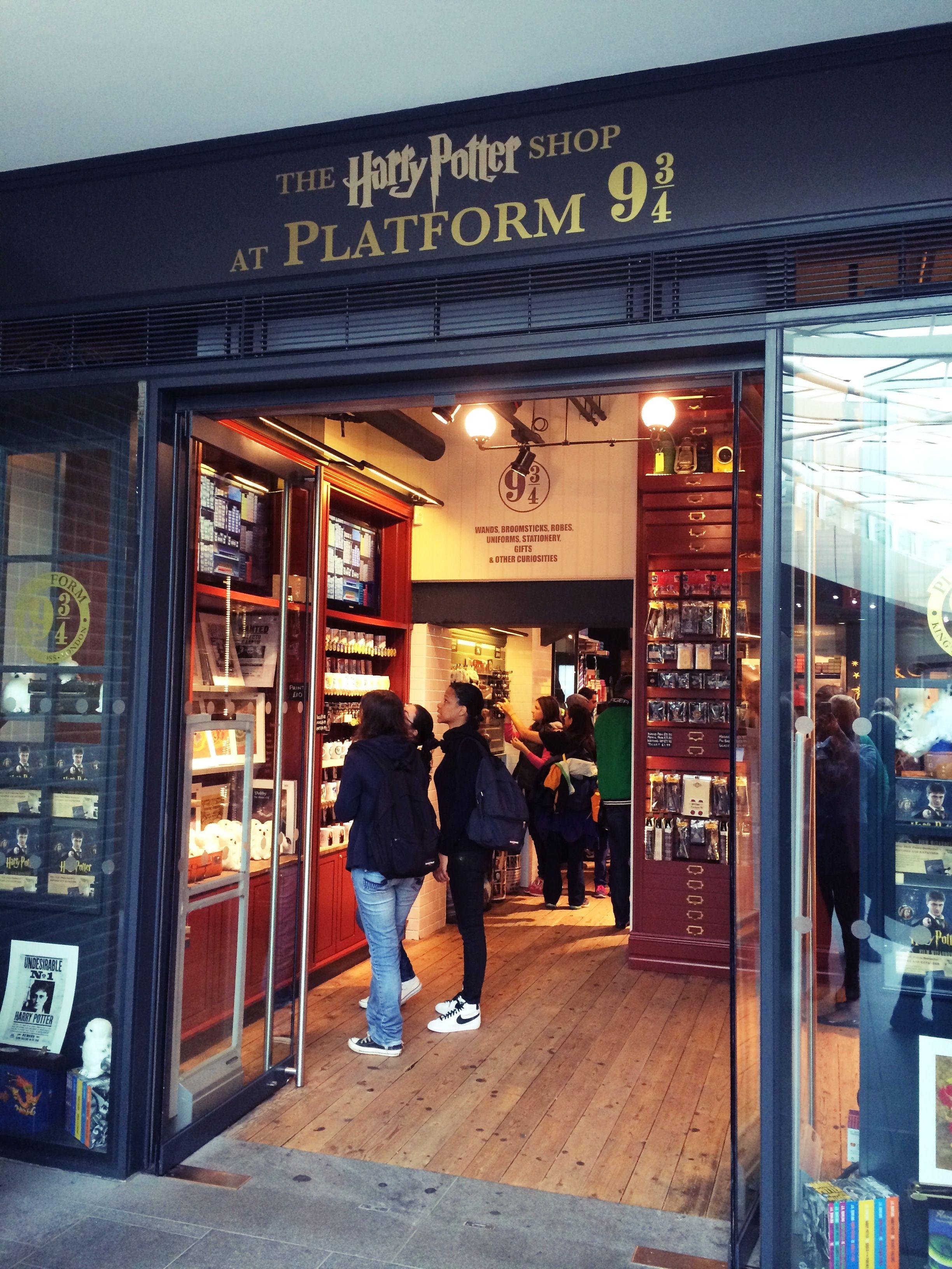 Harry potter shop harry potter shop shopping broadway