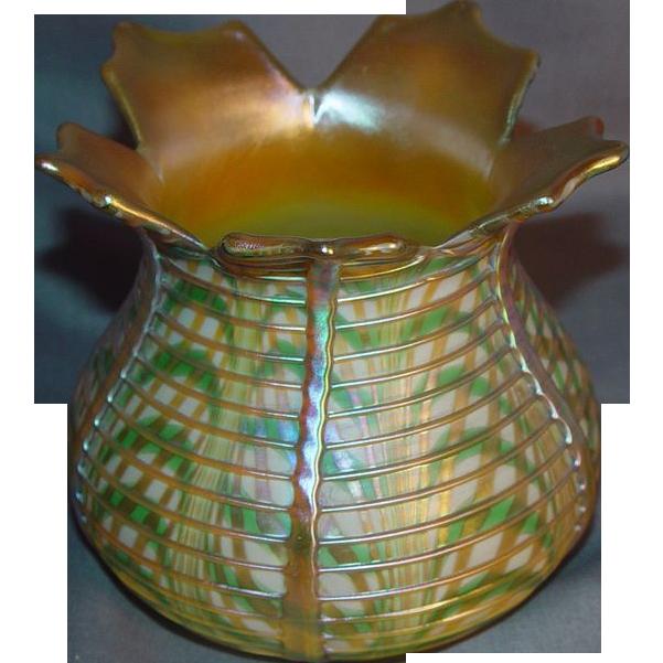 Outstanding Quezal Art Glass Vase!