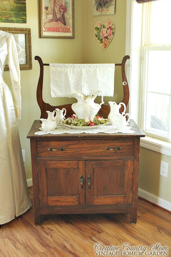 Creative Country Momu0027s: Soft, Romantic Vintage Style Corner Display