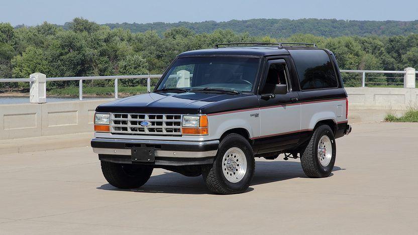 1990 Ford Bronco Ii Front 3 4 In 2020 Ford Bronco Ii Ford Bronco Bronco Ii