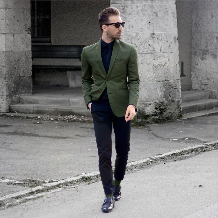 Schwarzes Hemd kombinieren – Stilvolle Ideen und Vorschläge
